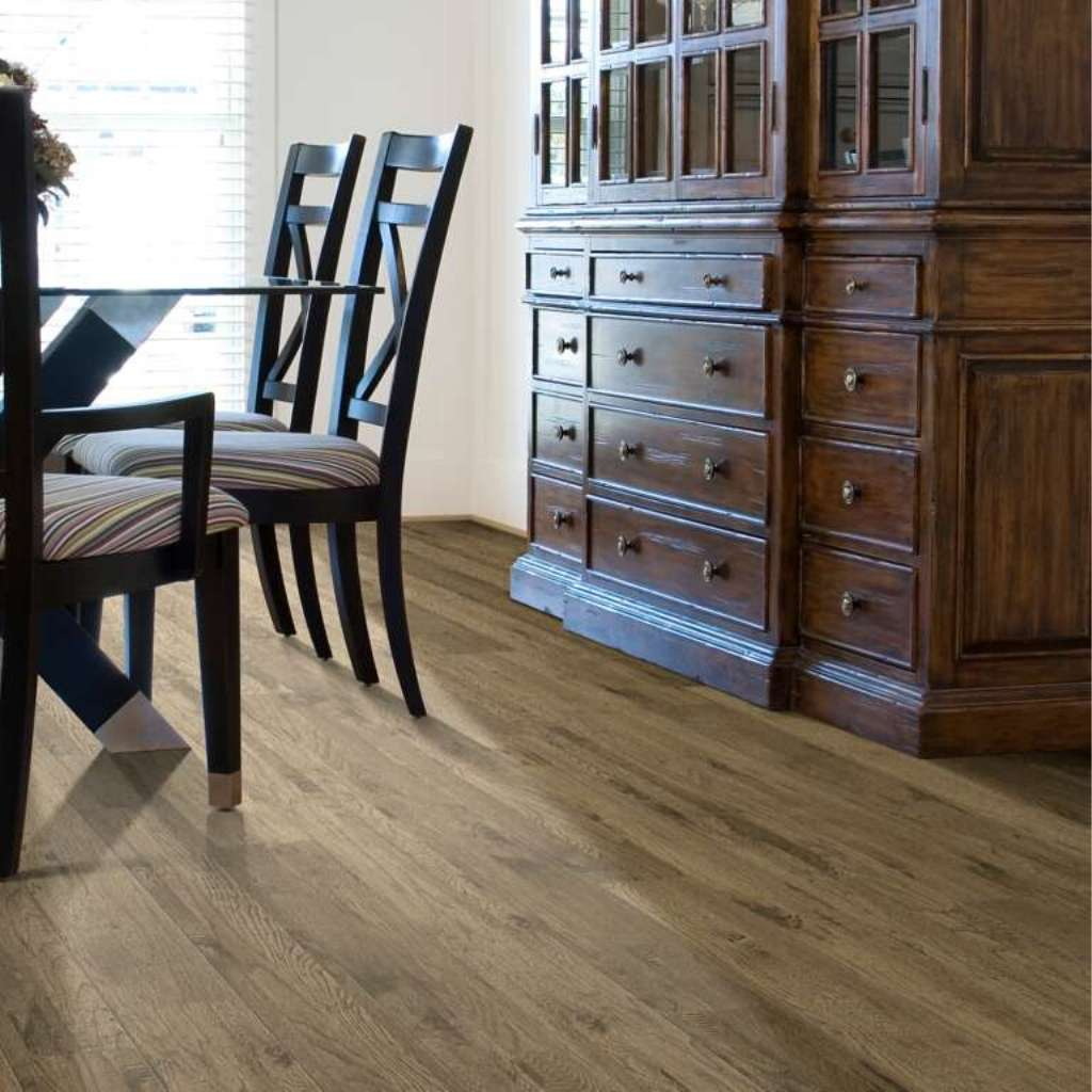 Brand: Shaw | Style: Tahoe Hickory | Color: Alamo Hickory